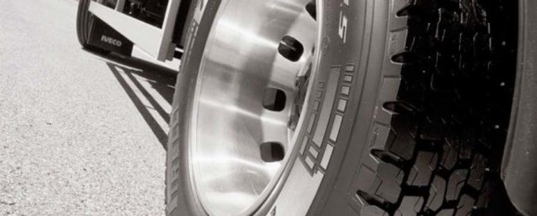 Quatro avarias comuns nos pneus de carga