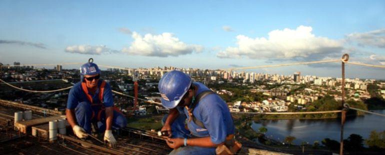 Construção civil registra saldo positivo de emprego