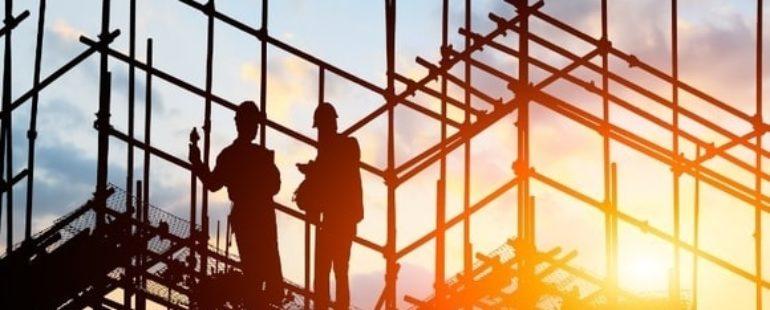Setor da construção lidera contratações em julho